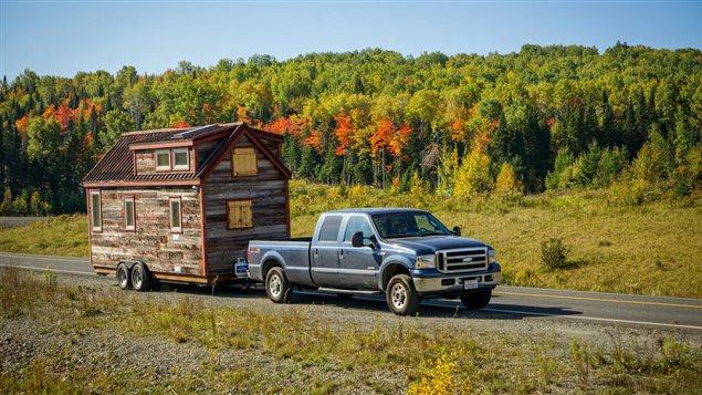 voyager sans quitter sa mini maison ici radio. Black Bedroom Furniture Sets. Home Design Ideas