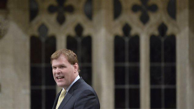 Le ministère des Affaires étrangères, John Baird, a ouvert le débat sur la mission canadienne contre l'État islamique.