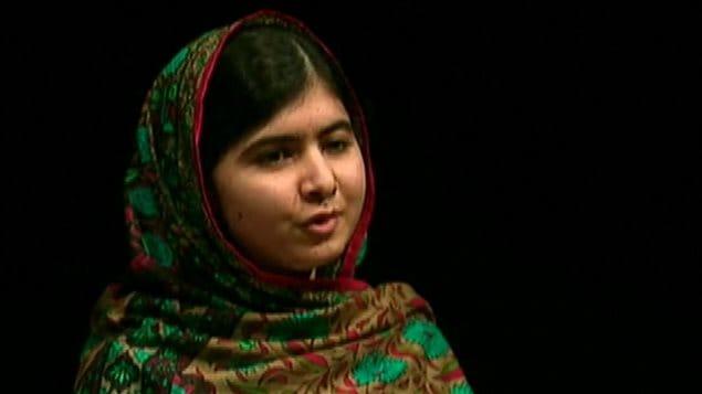 Malala Yousafzai réagit à l'obtention du prix Nobel de la paix à Birmingham, en Grande-Bretagne