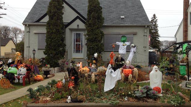 Pour une f te d 39 halloween r ussie vitez les ruelles et restez loin des - Maison decoree halloween ...