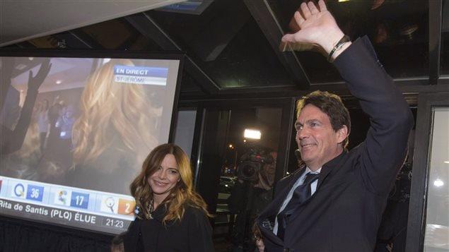 Soirée électorale, le 7 avril 2014. Julie Snyder et Pierre Karl Péladeau à Saint-Jérôme.