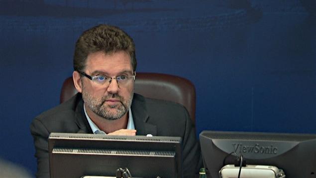 Le maire de Gatineau, Maxime Pedneaud-Jobin, est déçu du résultat du vote. (12-11-14)