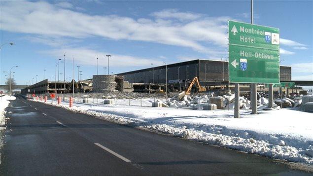Les travaux de démolition sont commencés à l'aérogare de Mirabel.