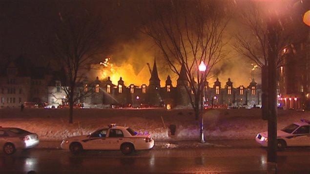 Le Manège militaire a été incendié au printemps 2008.