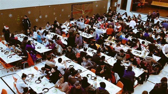 Les 240 places du dîner de Noël du refuge Soul's Harbour Rescue Mission se sont rapidement remplies.