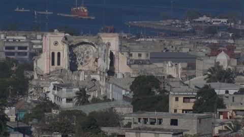 La cathédrale de Port-au-Prince, toujours en ruines, en janvier 2015