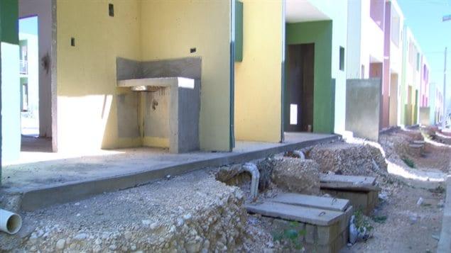 Reconstruction en ha ti des maisons toutes neuves l for Maison moderne haiti