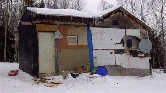 Une maison dans la réserve autochtone de Wasagamack situé à environ 600 km au nord de Winnipeg