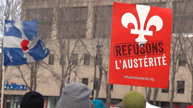 Le «Craie-In», une manifestation organisée par le groupe «Profs contre l'austérité» au parc Émilie-Gamelin dimanche dernier.