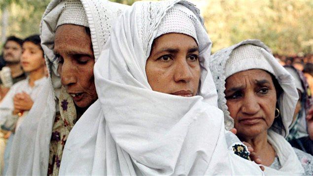 Des femmes sur un marché de Larkana, au Pakistan