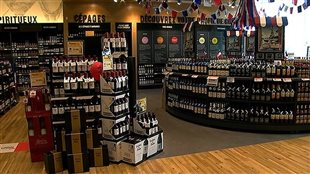 Des bouteilles de vins vendues par la SAQ