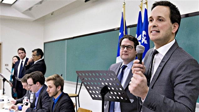 Alexandre Cloutier (à droite)