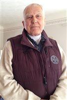 Walter Petryschuk est un ancien gestionnaire chez Suncor et un associé à l'Institut Bownman à Sarnia.