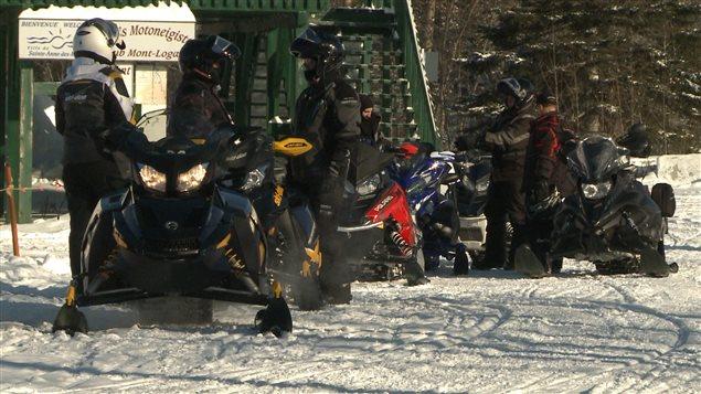 Les motoneigistes ont été nombreux à profiter de la neige abondante en Gaspésie.