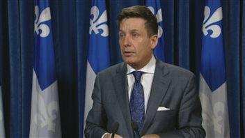 Le ministre des Affaires municipales et l'Occupation du territoire, Pierre Moreau, a rencontré «Touche pas à mes régions!».