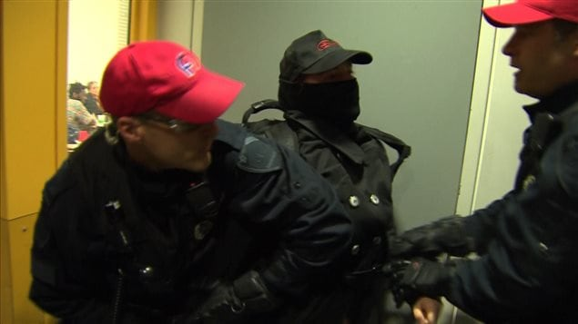 Un manifestant arrêté à l'UQAM