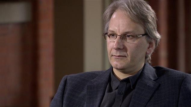 Le professeur en sciences politiques au campus Saint-Jean de l'Université de l'Alberta Frédéric Boily.