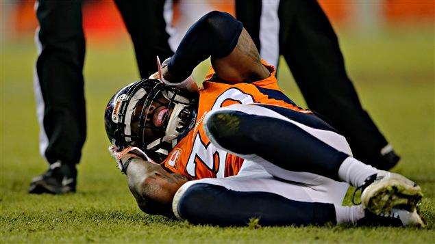 Une juge approuve l'entente à l'amiable dans le dossier des commotions cérébrales dans la NFL.