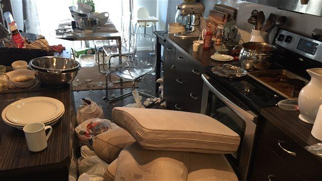 location d sastreuse sur airbnb une famille pourrait de nouveau tenter le coup ici radio. Black Bedroom Furniture Sets. Home Design Ideas