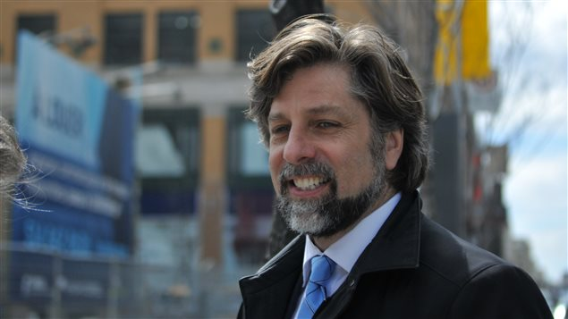 Luc Ferrandez sur la rue Sainte-Catherine