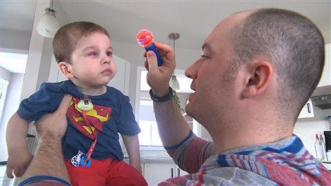 Tommy Auger avec son fils, Arthur