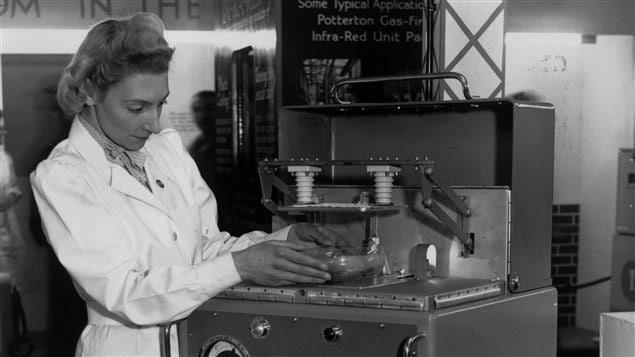 L'un des premiers micro-ondes en 1947