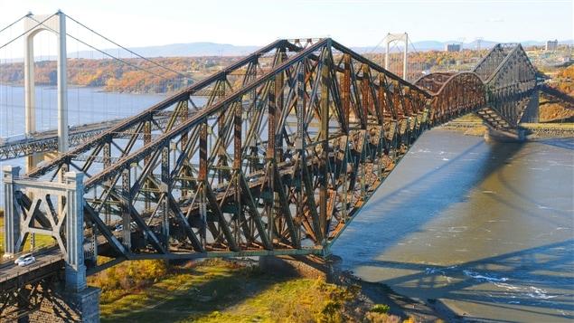 Le Pont de Québec parmi les sites les plus menacés au Canada