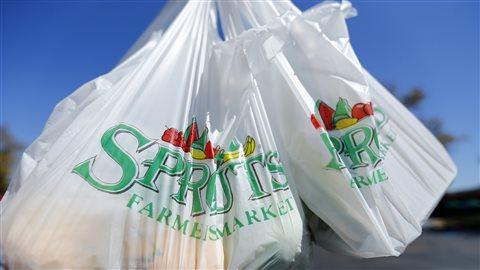 Des sacs plastiques
