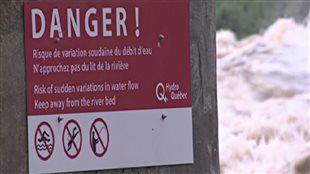 La baignade est interdite jusqu'à nouvel ordre dans la rivière Siant-François à Drummondville.