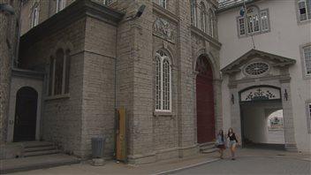 Pierre Karl Péladeau et Julie Snyder se marieront à la chapelle du Musée de l'Amérique francophone, dans le Vieux-Québec.