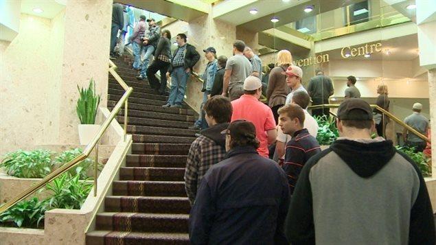 Un salon de l'emploi du chantier maritime d'Irving à Halifax attire les foules