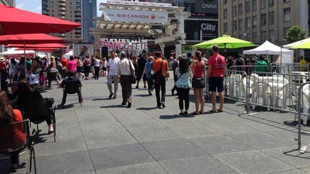 La Franco-Fête de Toronto a lieu au Square Yonge-Dundas, au centre-ville