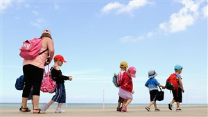 Les camps d'été, entre casse-tête et coûts élevés