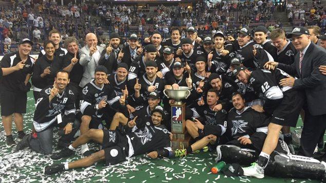 Le Rush d'Edmonton a remporté le championnat de la Ligue nationale de crosse le 5 juin face au Rock de Toronto.