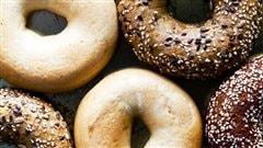 Le bagel et le smoked meat, symboles du patrimoine de Montréal