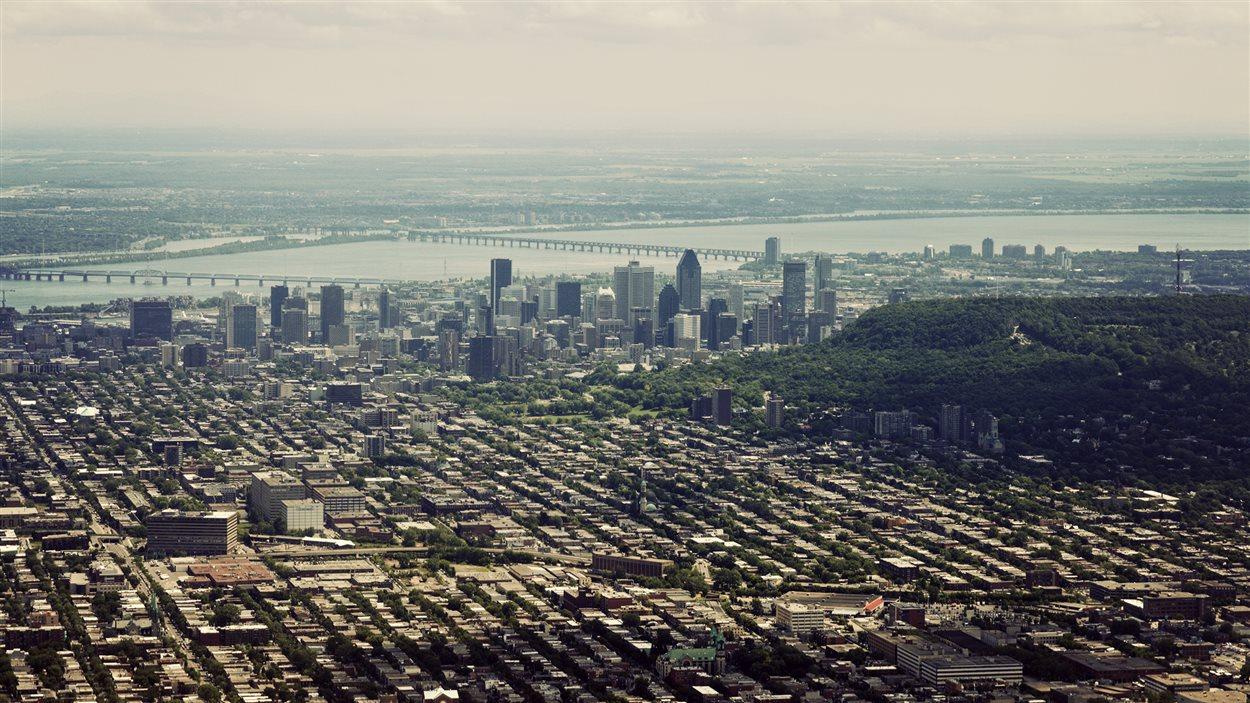 L 39 le de montr al compte 2 millions d 39 habitants ici for Vente piscine montreal