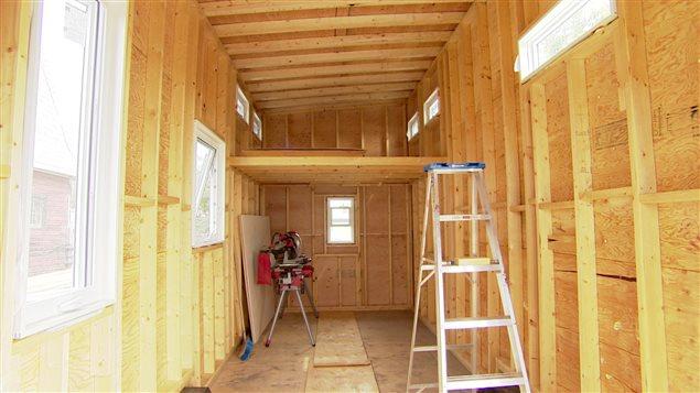une maison de 23 m tres carr s pourquoi pas dit une femme d 39 edmonton ici radio. Black Bedroom Furniture Sets. Home Design Ideas