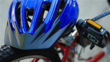 Moins de la moitié des cyclistes portent toujours un casque
