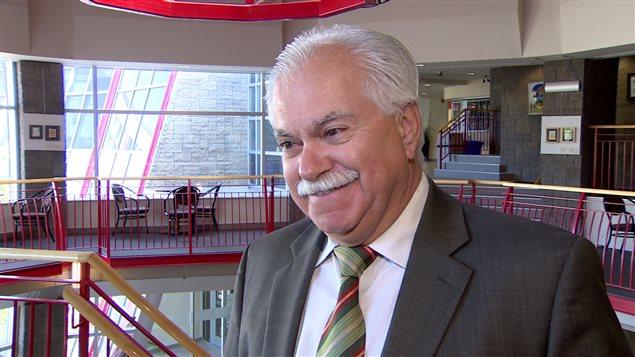 Henri Lemire, le directeur du conseil scolaire Centre-Nord se réjouit de l'acquisition de l'école Sans-Frontières.