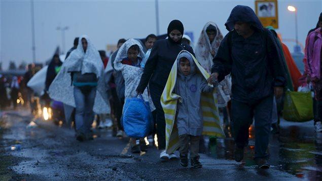 Des migrants syriens arrivent en Autriche
