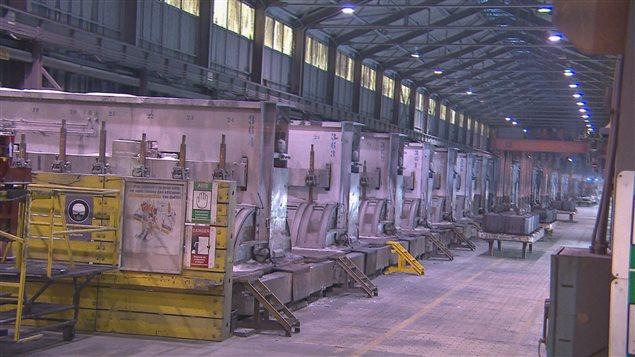 Une salle de cuves de l'usine Grande-Baie