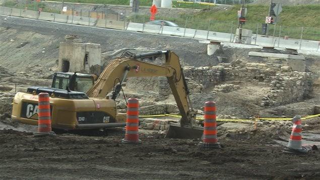 Les travaux ont commencé pour raser le site.