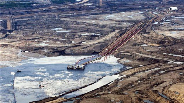 Une installation pétrolière près de Fort McMurray, en Alberta