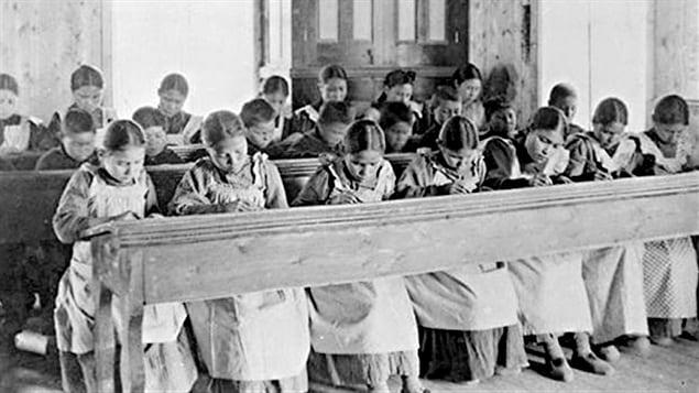 Pensionnat, Autochtones