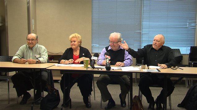 Des membres de la Coalition citoyenne pour mieux vivre et vieillir ont dénoncé les conditions dans lesquelles vivent de trop nombreux aînés.