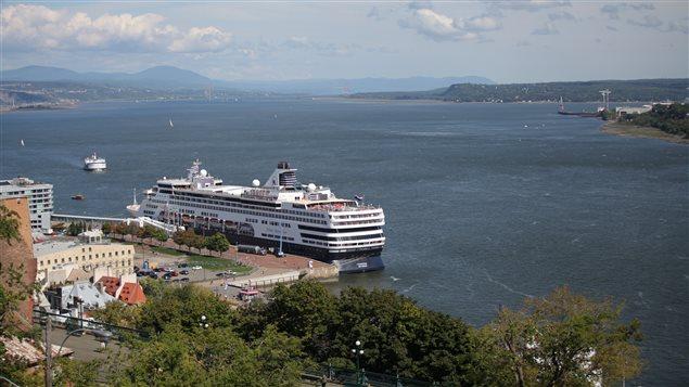 Les citoyens sont invités à se prononcer sur l'avenir du fleuve Saint-Laurent.