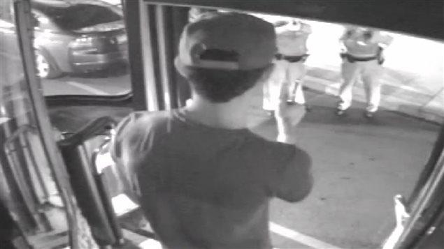 Image d'une vidéo de surveillance du tramway dans lequel se trouvait Sammy Yatim avant d'être abattu par la police