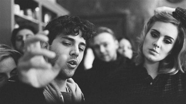 Xavier Dolan et Adele lors du tournage du vidéoclip de la chanson «Hello»