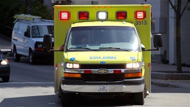 Vrai ou faux : ambulance et feu rouge