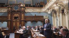 Les élus libéraux préparent un «caucus de la discorde», selon la CAQ